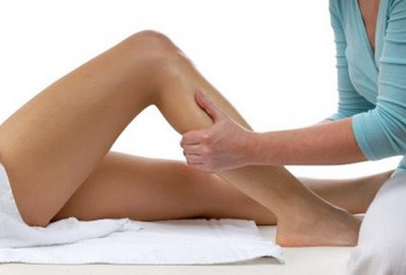 Gastrocnemios: Masaje y autocuidado en corredores.