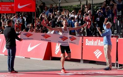 El estadounidense Galen Rupp gana el Maratón de Chicago 2017